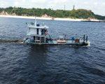 Tug boat of the pushing kind