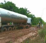 Lorry stuck on the BR319 between Porto velho and Manaus