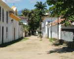 A few horse and carts carry tourists around old Paraty.